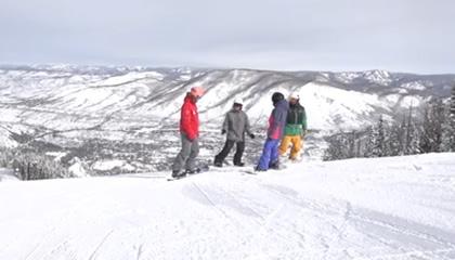 阿斯本雪堆山滑雪村团队欢迎视频