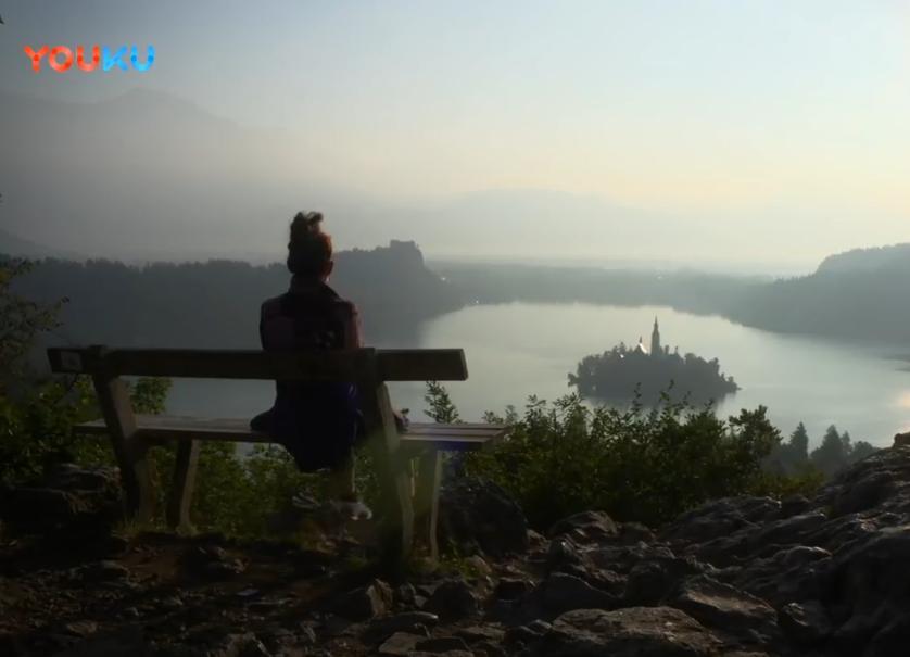 进入斯洛文尼亚风景如画的高山世界