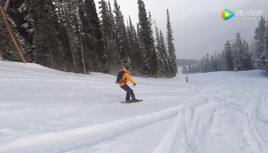 与经验丰富的滑雪教练一同享受美国阿斯本山的晨间滑雪